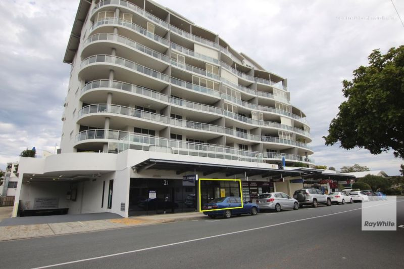 ** Price Reduced ** High Profile, Open Plan, Retail Shop For Lease in Mooloolaba