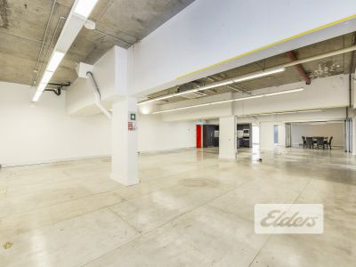 UNIQUE FIRST FLOOR OFFICE | SIX (6) CARS!