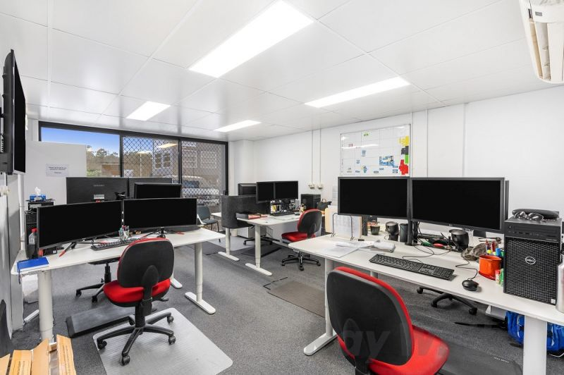 247m2* MORNINGSIDE OFFICE WITH FIT-OUT & EXPOSURE