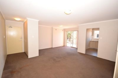 2 Bedrooms, Top Floor, Easy Access to City Transport