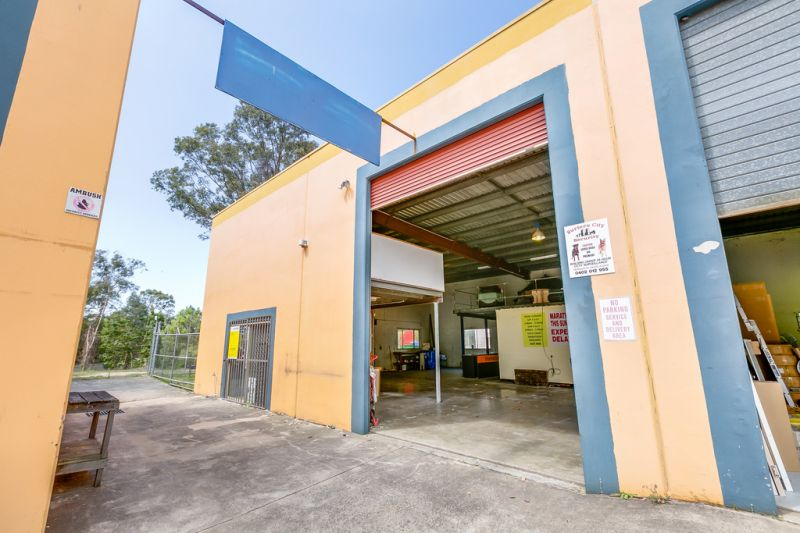 Affordable Industrial Warehouse - Inspect Today!