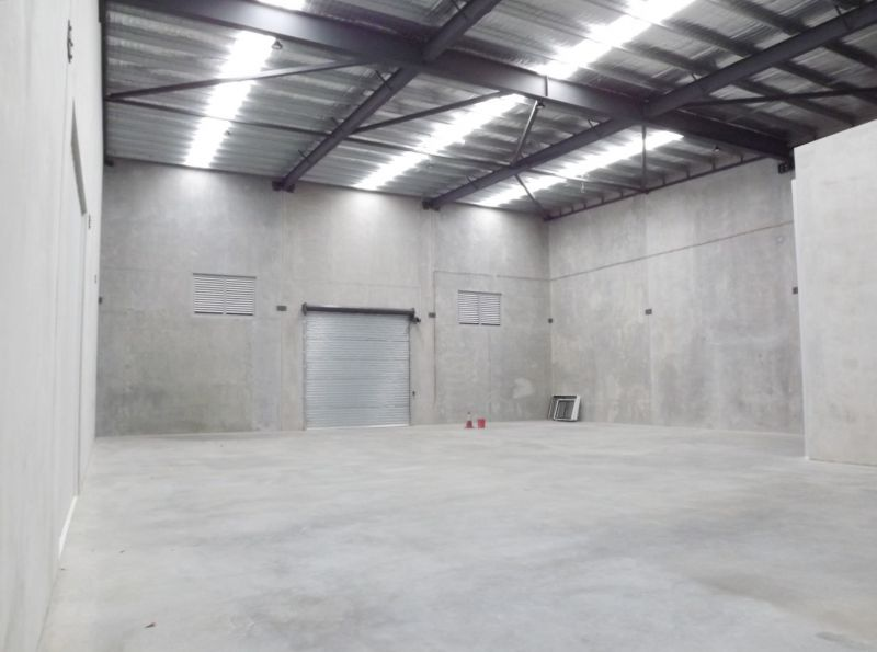 NEWLY COMPLETED 657M²* TILT PANEL OFFICE/WAREHOUSE