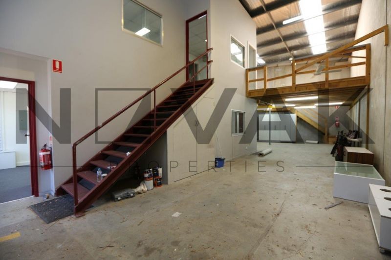 BE QUICK THIS WON'T LAST LONG! WAREHOUSE IN HIGH DEMAND