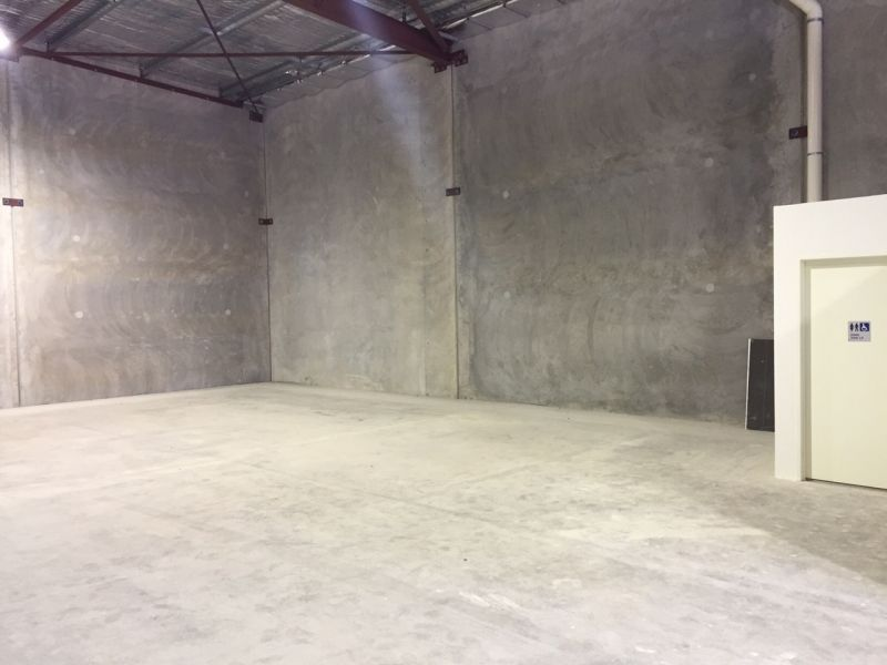 BRAND NEW OFFICE / WAREHOUSE DEVELOPMENT (ONLY ONE UNIT REMAINING!!)