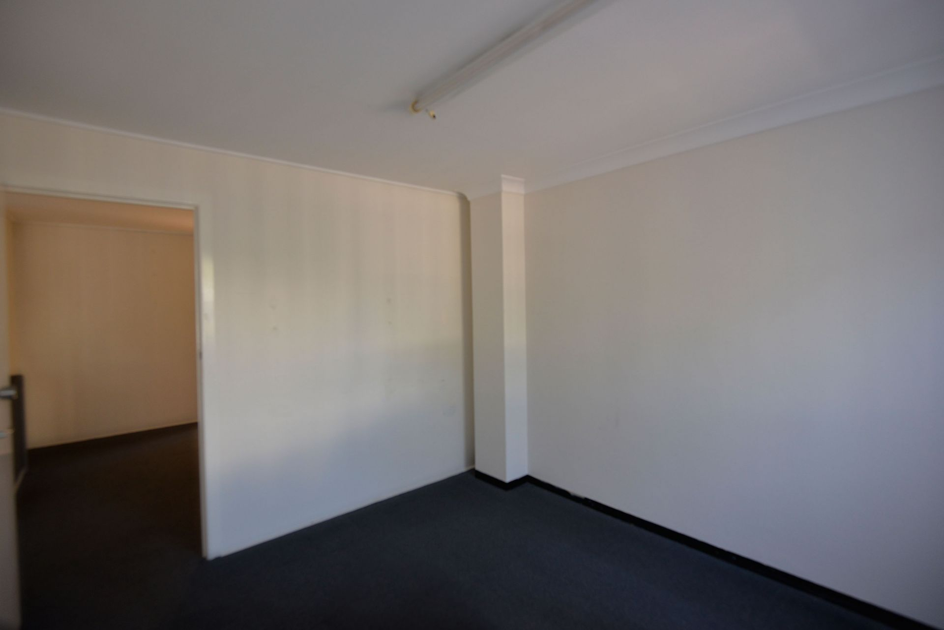 48sqm Neat & Tidy First Floor Office Space