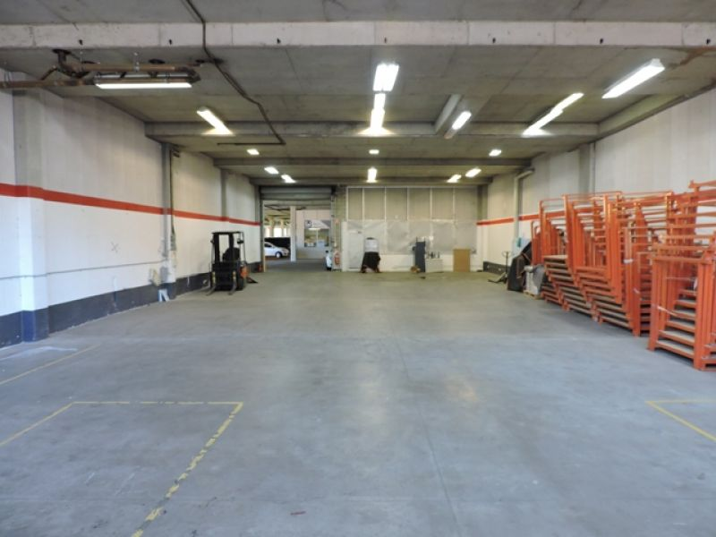QUALITY WAREHOUSE UNIT LOCATED IN WELL ESTABLISHED ESTATE