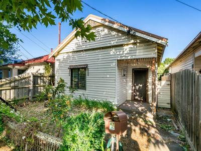 Delight 3 bed home on large block next to parklands