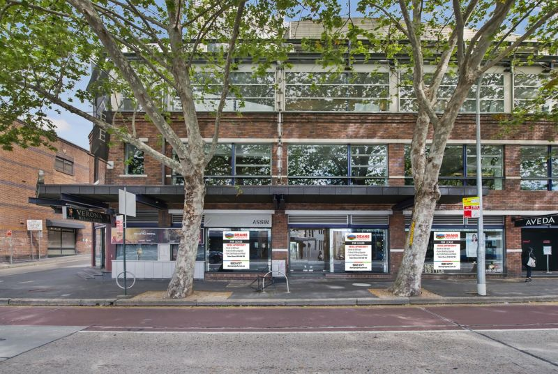 High Traffic Retail Opportunity - Prime Location!