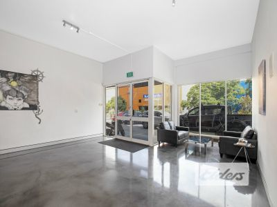 VERSATILE OFFICE OFFERING WITH FIT OUT