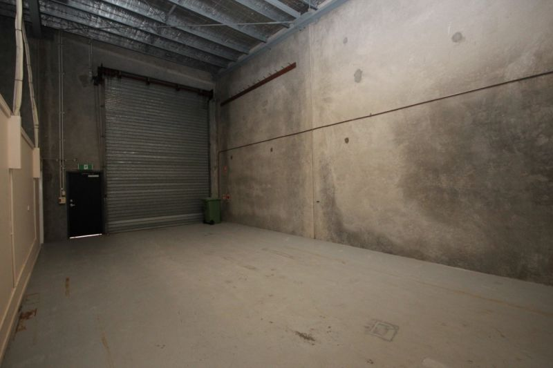 High Clearance Warehouse Unit - Ideal for Owner Occupier
