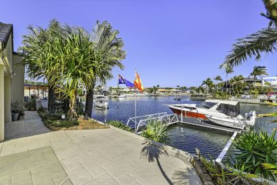THE BEST VALUE WATERFRONT HOME ON THE RUNAWAY ISLANDS!!