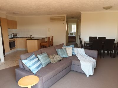 CHIC FURNISHED NORTH FACING APARTMENT