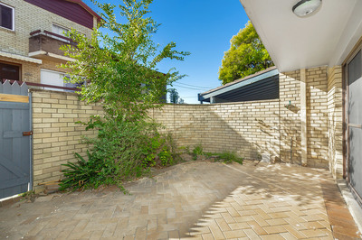 1/10 Flavelle Street, Concord