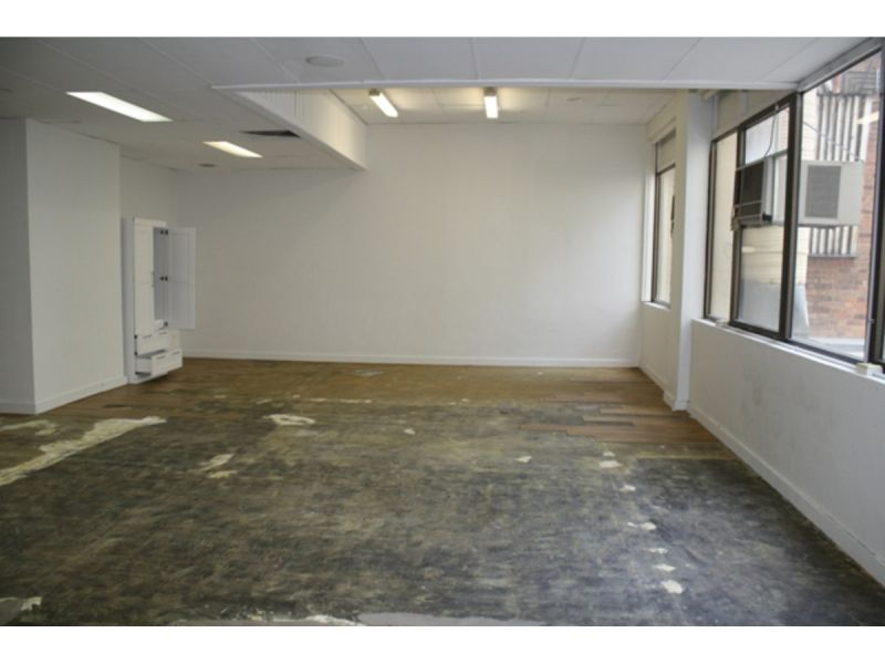 Open Plan Commercial Space  Part First Floor 150 m2 approx