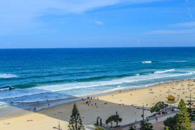 Unbeatable Absolute Beachfront Gem