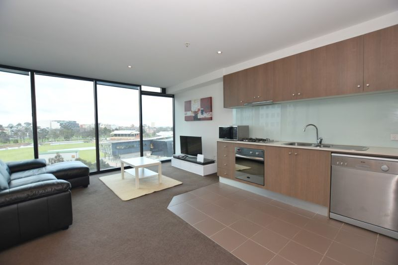 Furnished One Bedroom Apartment with Bay Views in the Perfect Location!