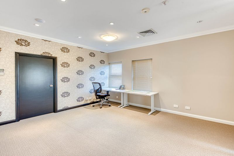 OUTSTANDING OFFICE SPACE IN BOUTIQUE DEVELOPMENT