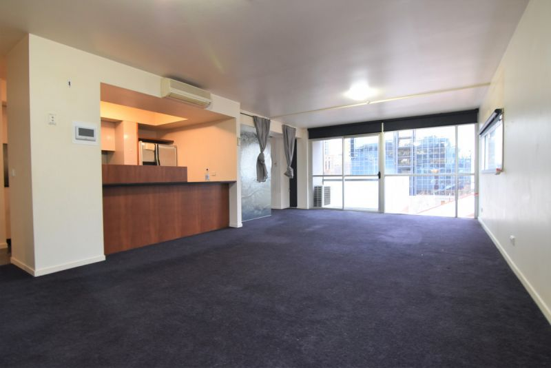 Rare 2 Bed + Study/Third Bedroom, 2 Car & 2 Bath! (UNFURNISHED) - Access to Pool/Gym