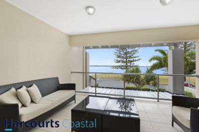 Stunning Waterfront 2 Bedroom Apartment