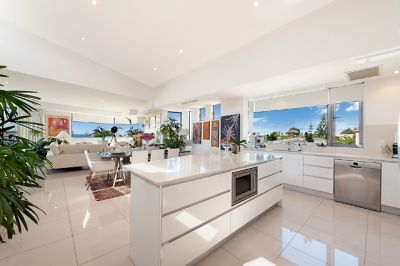 Contemporary beachside living! -  Whole top floor plus roof top garden