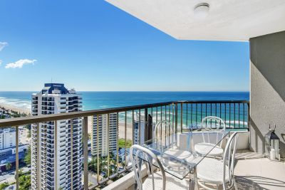 SPECTACULAR VIEWS!  BEST POSITIONED APT IN THE BUILDING!
