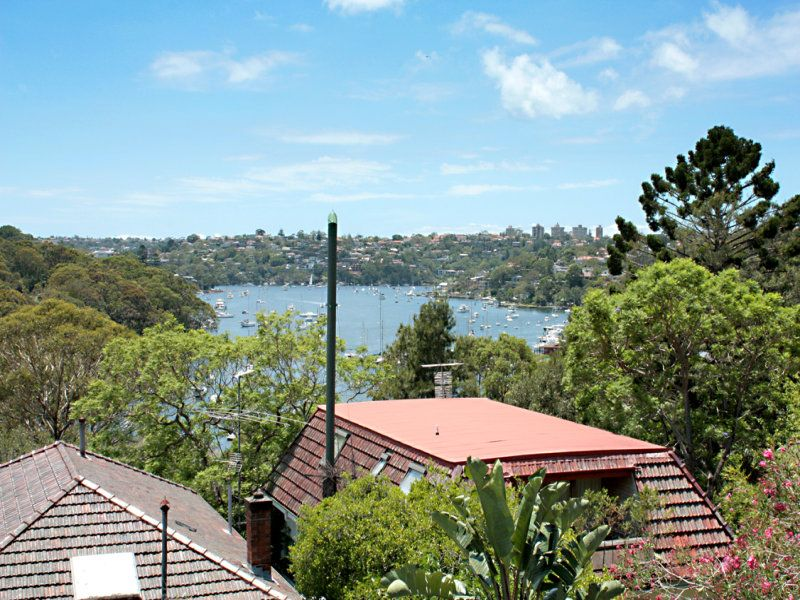 Renovated Apartment Overlooking Willoughby Bay With Lock-Up Garage