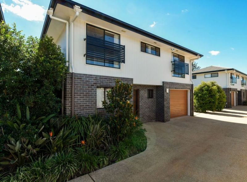 Well-Appointed Standalone Townhouse