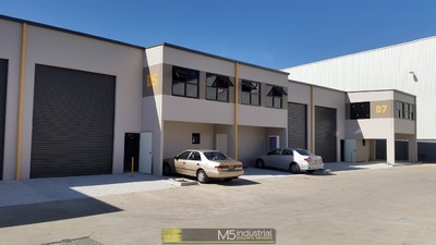139sqm - Near NEW Industrial Unit