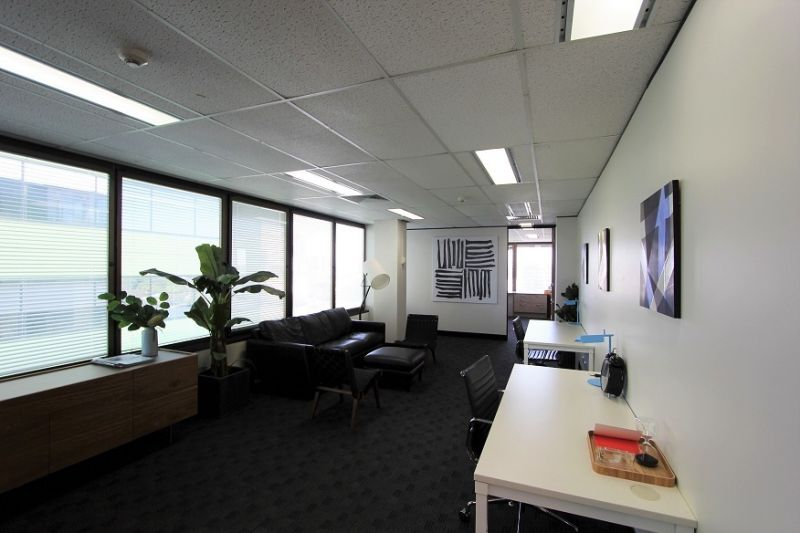 LARGE FULLY FITTED COMMERCIAL SPACE