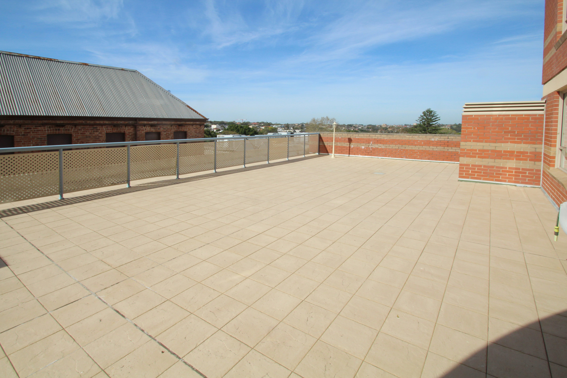SPACIOUS TWO BEDROOM APARTMENT WITH ENORMOUS TERRACE!