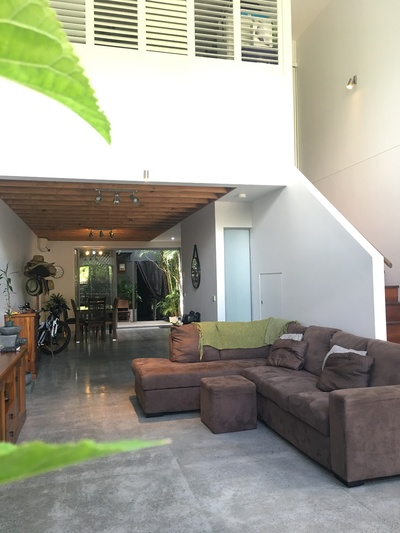 Urgent Sale Invest in a Modern Versitle Home, Dual Livable or Office and Apartments