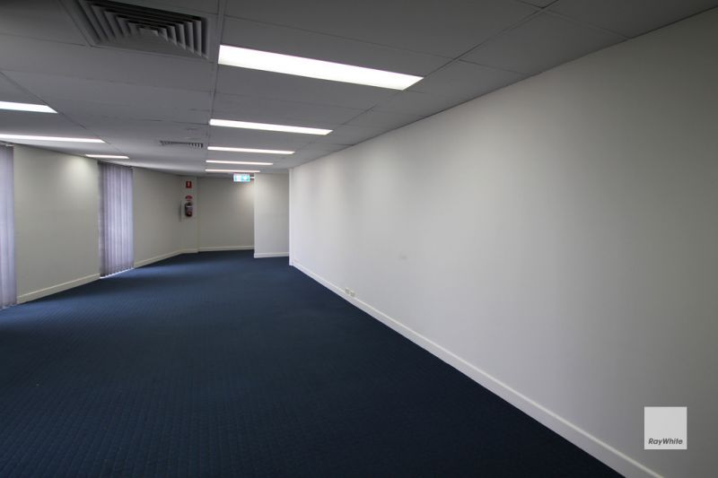Fitted Corporate Style Office