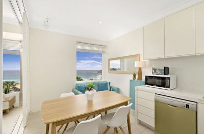 2 Bed Apartment With Stunning Beach & Ocean Views