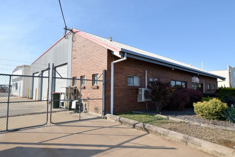 :: WELL PRESENTED 150m2 INDUSTRIAL SHED ON POPULAR CHAPPLE STREET