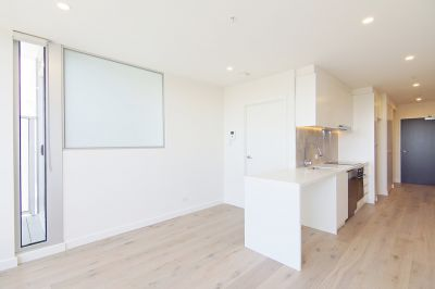 Fresh and Modern One Bedroom Apartment in Trendy North Melbourne!