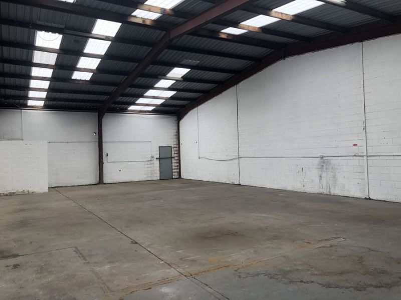 Spacious, affordable industrial unit.