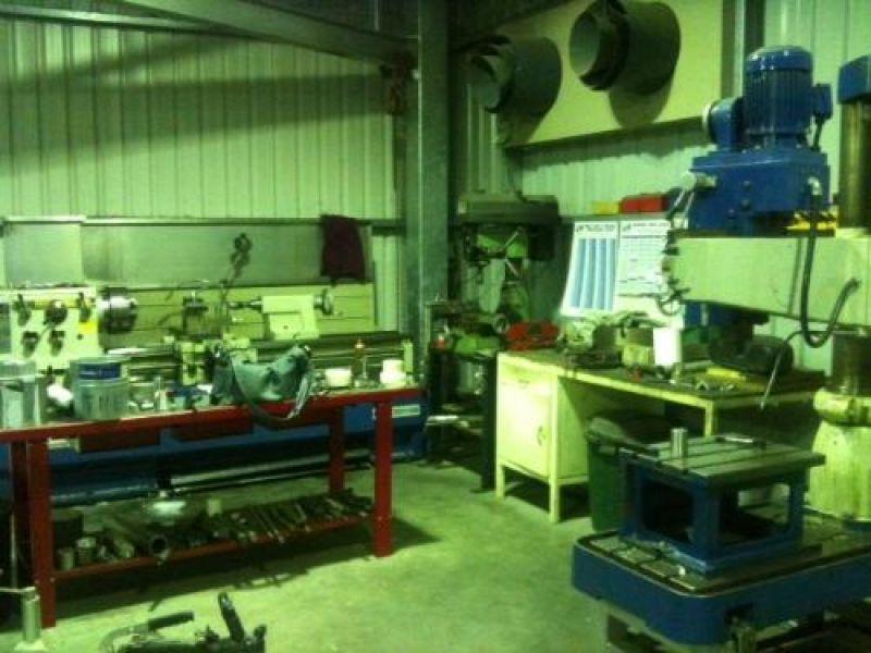 TREVOR NEWTON  ENGINEERING PTY LTD
