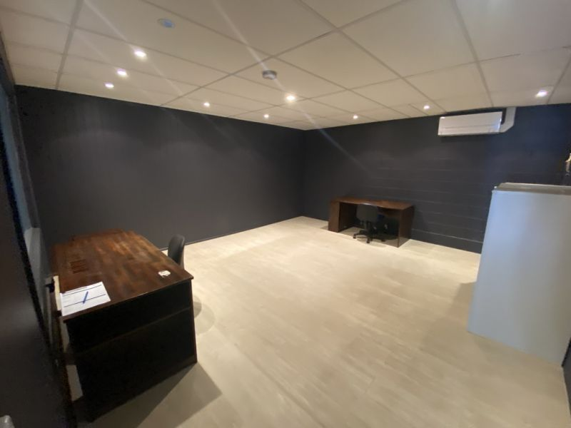 AFFORDABLE RENT ON FIRST FLOOR OFFICE | MOOLOOLABA
