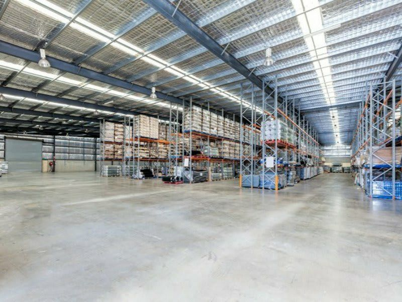 Large Distribution Warehouse In Busy Crestmead