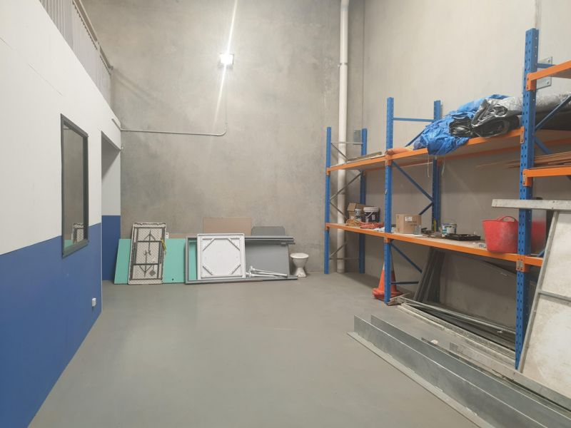 Warehouse With Office Fit Out