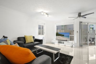 Beautiful Broadwater Position. Fully renovated and fully furnished