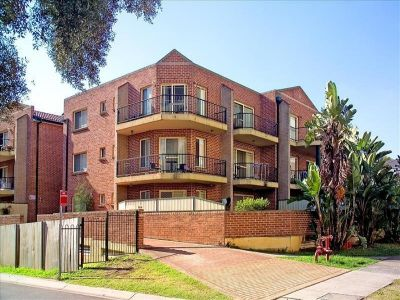 2 bedroom renovated, centrally located
