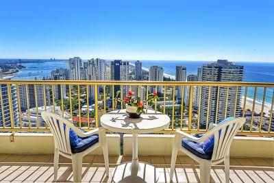 Stunning 316m2 Beachside Sub-Penthouse Showcasing Panoramic Views