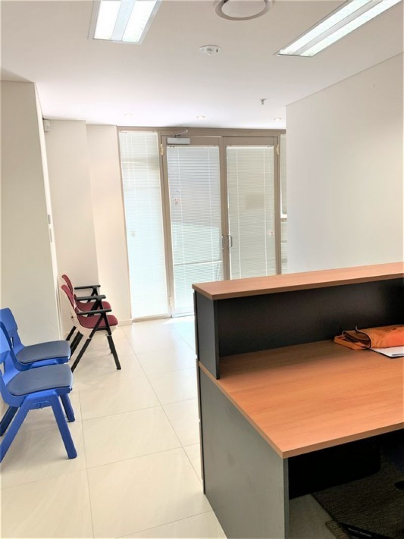 FURNISHED GROUND FLOOR OFFICE!