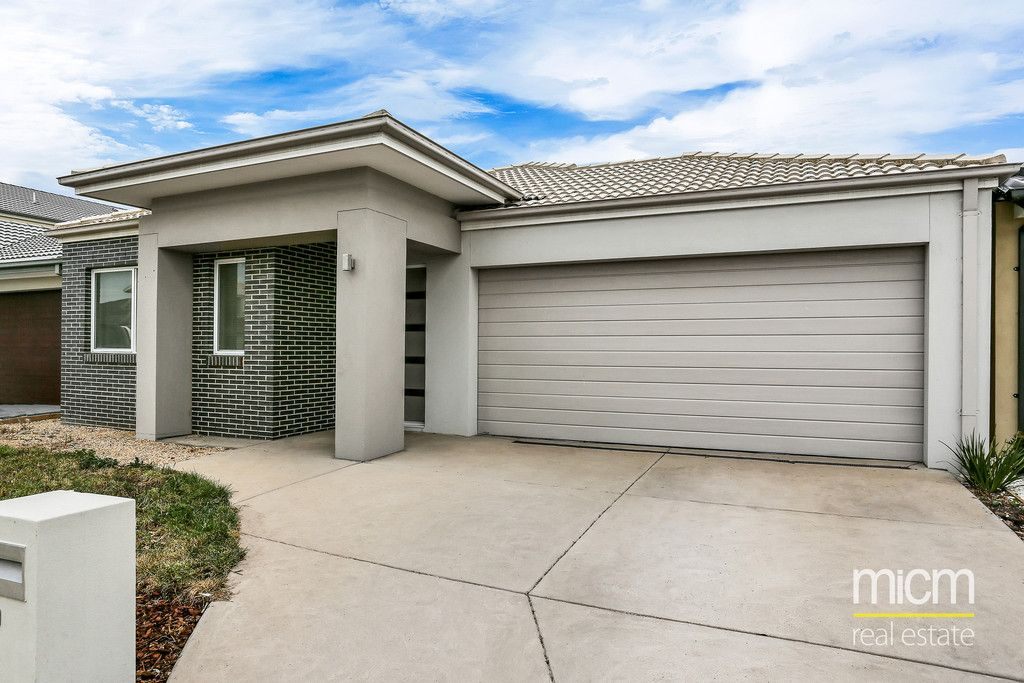 FIRST CLASS TENANT WANTED! Great Family Living! L/B