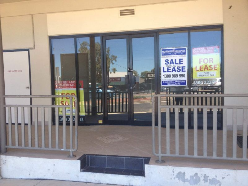 Office / Retail Space in Petrie Ready to Buy
