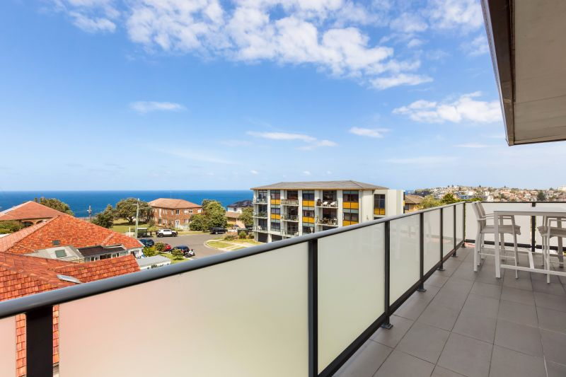 Stunning Two Bedroom Apartment With Ocean Views