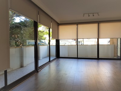 DEPOSIT TAKEN Newly renovated 2 br unit - sunny, close to beach and nightlife