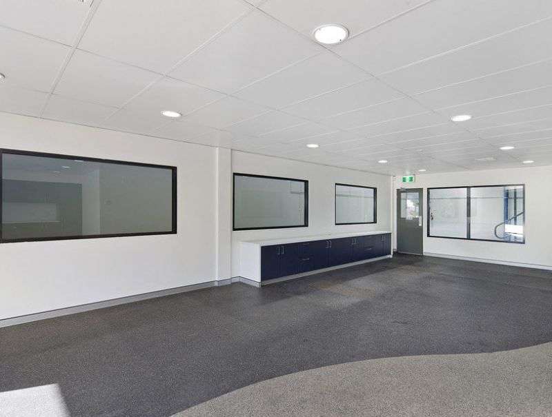 Spacious office space in Alexandria