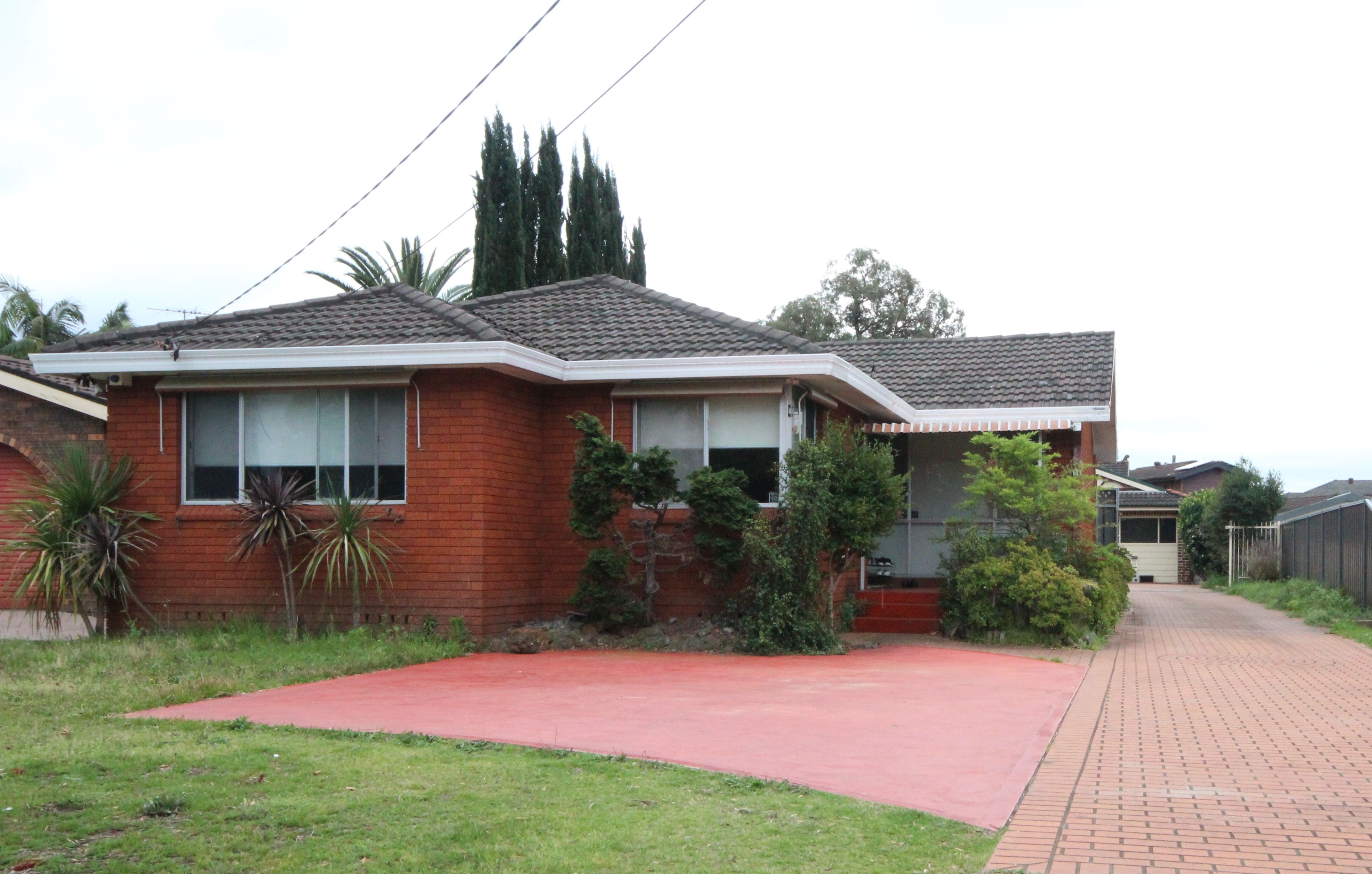 14 Doris Street, Picnic Point NSW 2213